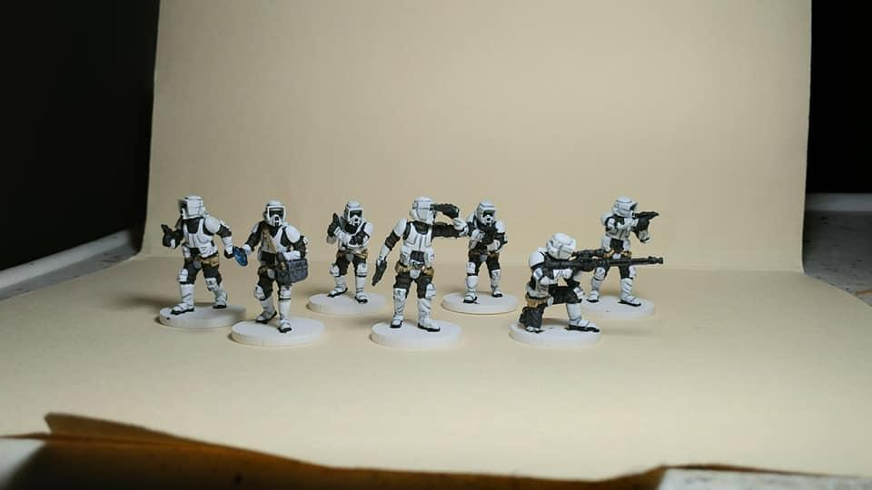 594163968_Stormtroopers2.jpg.e787141e9487a206c49c6c10f63fbfd7.jpg